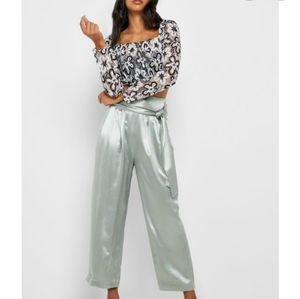 NWT TOPSHOP Floral Lace Crop Top